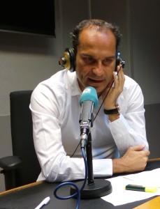 Dr. César Ramírez durante su intervención en COPE Málaga