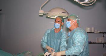 Dr. Cesar Ramirez y Dr. Javier Moreno en cirugia de la obesidad por via laparoscopia en Malaga