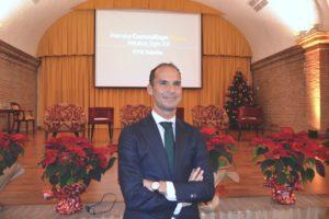 El Dr. César Ramírez felicita la Navidad