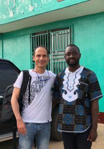 Liberia es otro mundo Dr. César Ramírez y Dr. Peter George